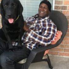 Ele Pagou Injustamente uma Sentença e Depois de 40 anos ele sai com o Cachorro que ele Cuidou de Atrás das Grades.