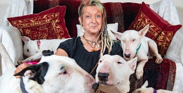 """Ele falou: """"Sou eu ou seus Cães"""" – E assim Acabou um Casamento de 25 Anos!"""