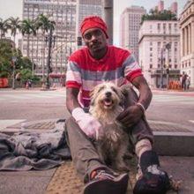 Cão Ajuda Morador de Rua a Abandonar as Drogas