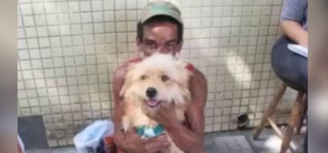 Morador de Rua Recusa Proposta de R$ 2.000 para Vender Seu Cachorro
